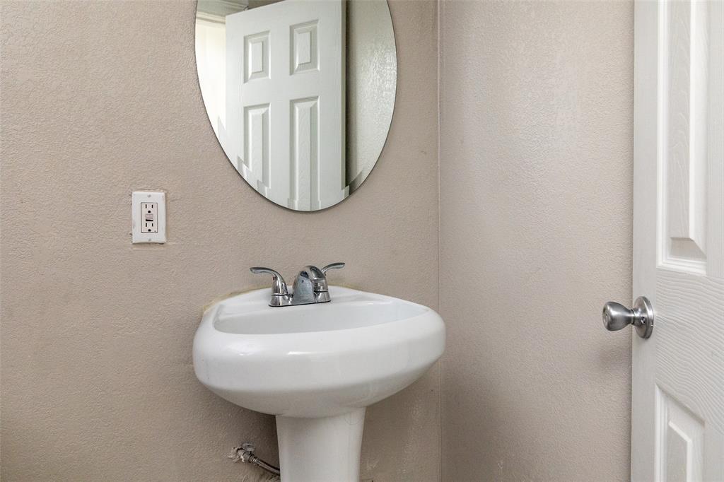 190 Hudson  Street, Newark, Texas 76071 - acquisto real estate best frisco real estate agent amy gasperini panther creek realtor