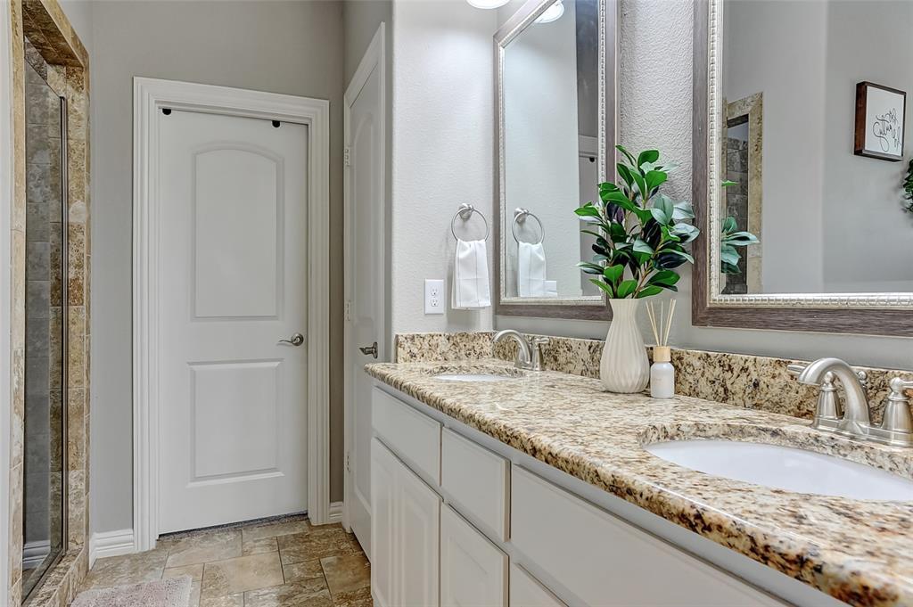 3401 Preston Club  Drive, Sherman, Texas 75092 - acquisto real estate best realtor foreclosure real estate mike shepeherd walnut grove realtor