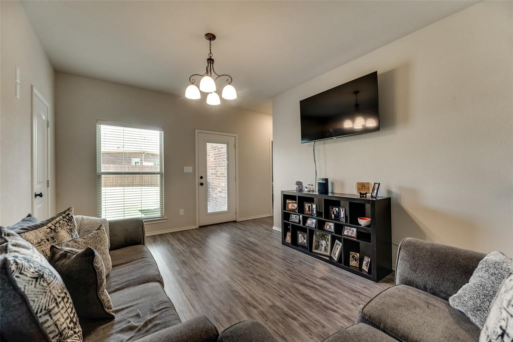 1016 Skyview  Court, Midlothian, Texas 76065 - acquisto real estate best real estate company in frisco texas real estate showings