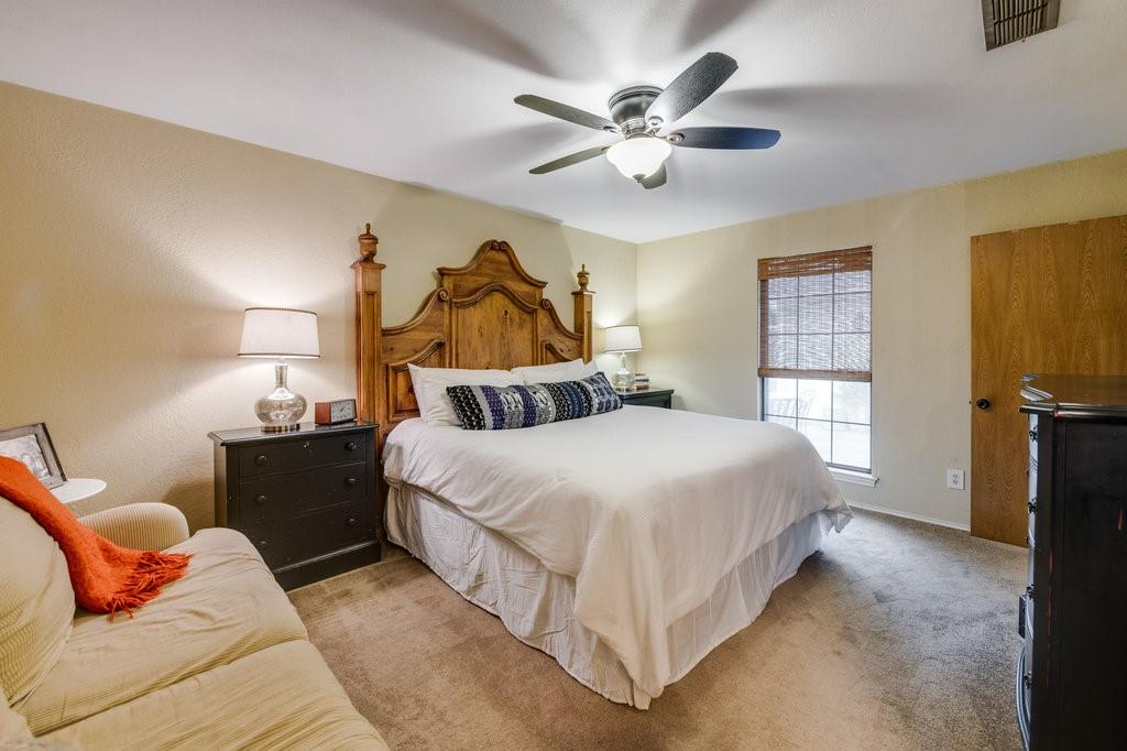 202 Buffalo Creek  Drive, Waxahachie, Texas 75165 - acquisto real estate best photos for luxury listings amy gasperini quick sale real estate