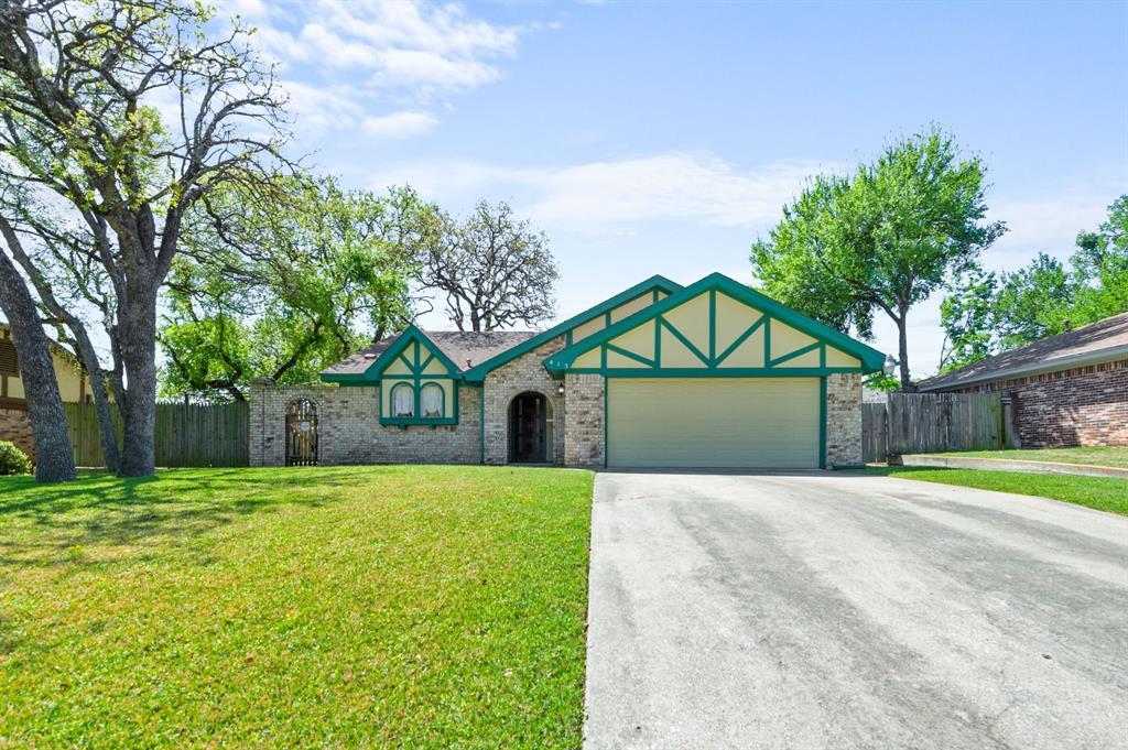 413 Salem  Drive, Hurst, Texas 76054 - Acquisto Real Estate best plano realtor mike Shepherd home owners association expert