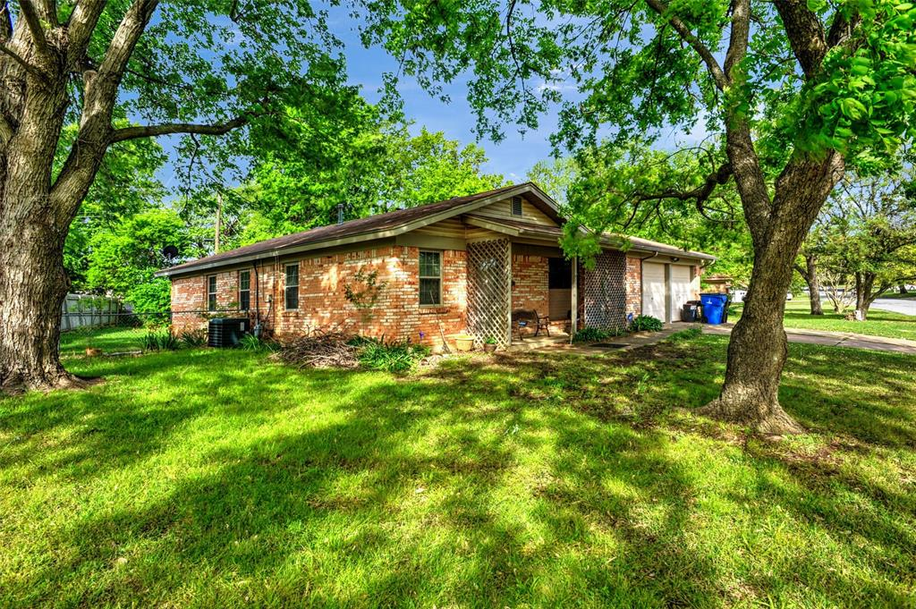 124 Imperial  Drive, Denison, Texas 75020 - Acquisto Real Estate best plano realtor mike Shepherd home owners association expert