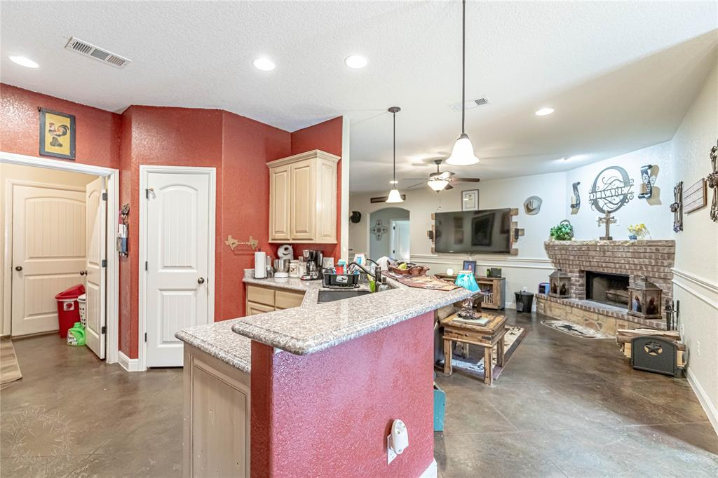 1204 Pala Dura  Court, Granbury, Texas 76048 - acquisto real estate best listing photos hannah ewing mckinney real estate expert