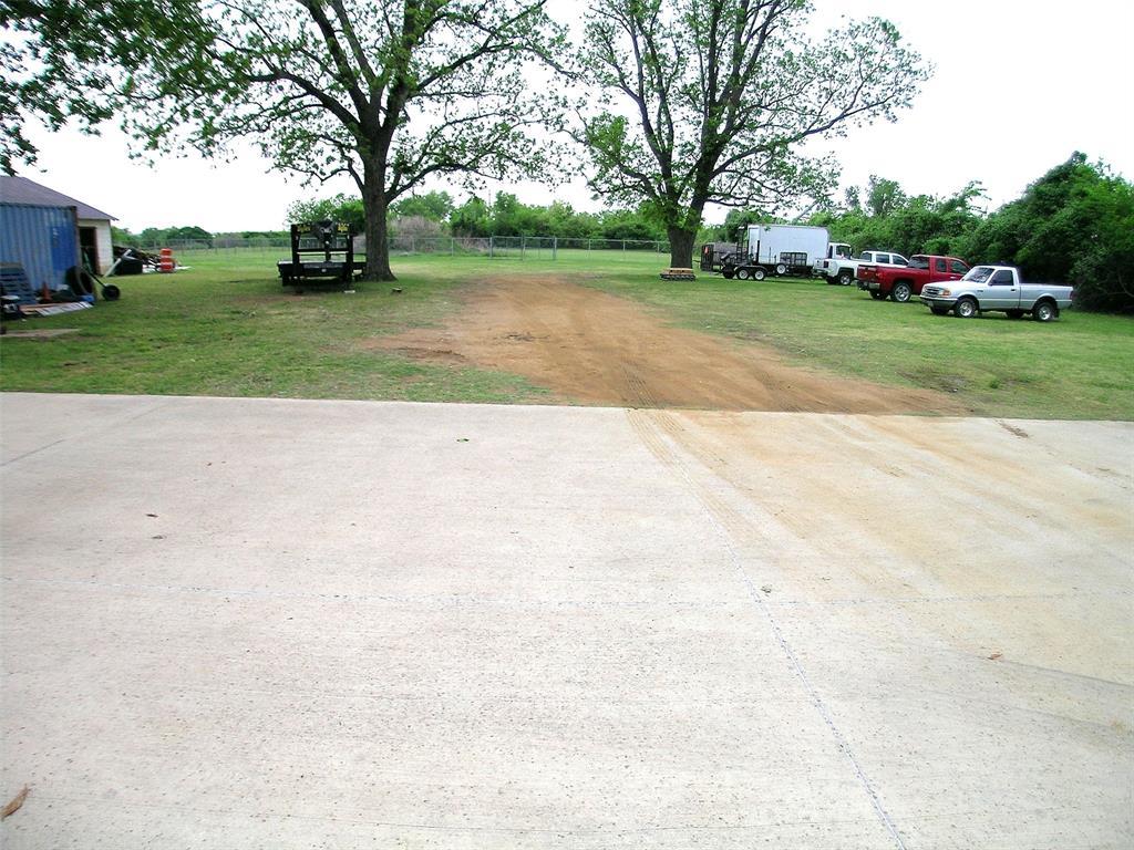 1617 Shady Grove  Road, Grand Prairie, Texas 75050 - acquisto real estate best prosper realtor susan cancemi windfarms realtor