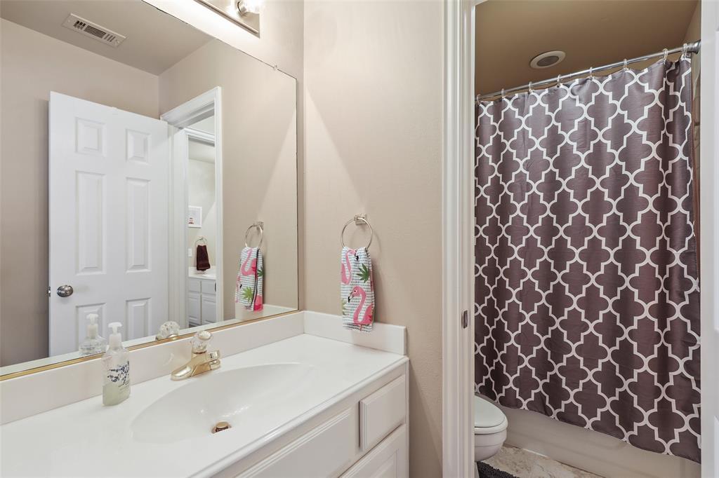 3828 Peppertree  Drive, Carrollton, Texas 75007 - acquisto real estate best realtor dfw jody daley liberty high school realtor