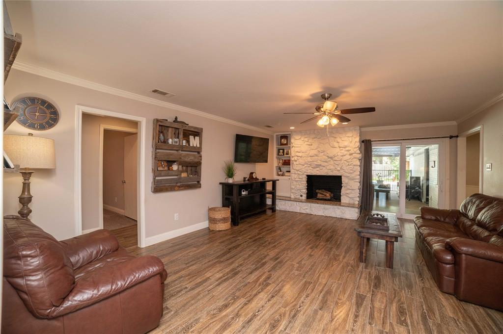 2426 Sherwood  Drive, Grand Prairie, Texas 75050 - acquisto real estate best style realtor kim miller best real estate reviews dfw