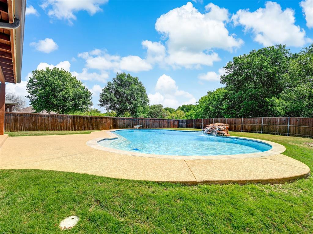2516 Red Oak  Drive, Little Elm, Texas 75068 - acquisto real estate best frisco real estate agent amy gasperini panther creek realtor