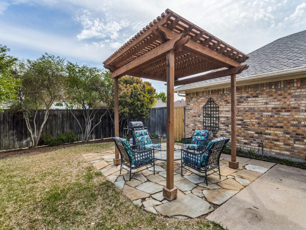 2038 Greenstone  Trail, Carrollton, Texas 75010 - acquisto real estate best realtor foreclosure real estate mike shepeherd walnut grove realtor