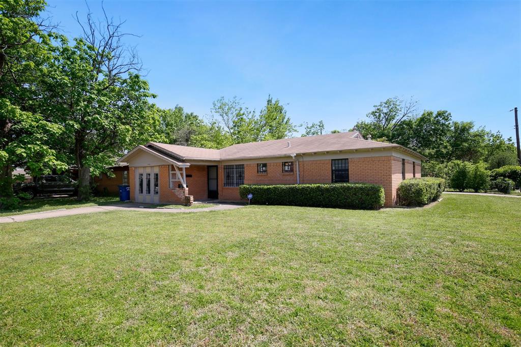 7006 Antler  Avenue, Dallas, Texas 75217 - acquisto real estate best negotiating realtor linda miller declutter realtor