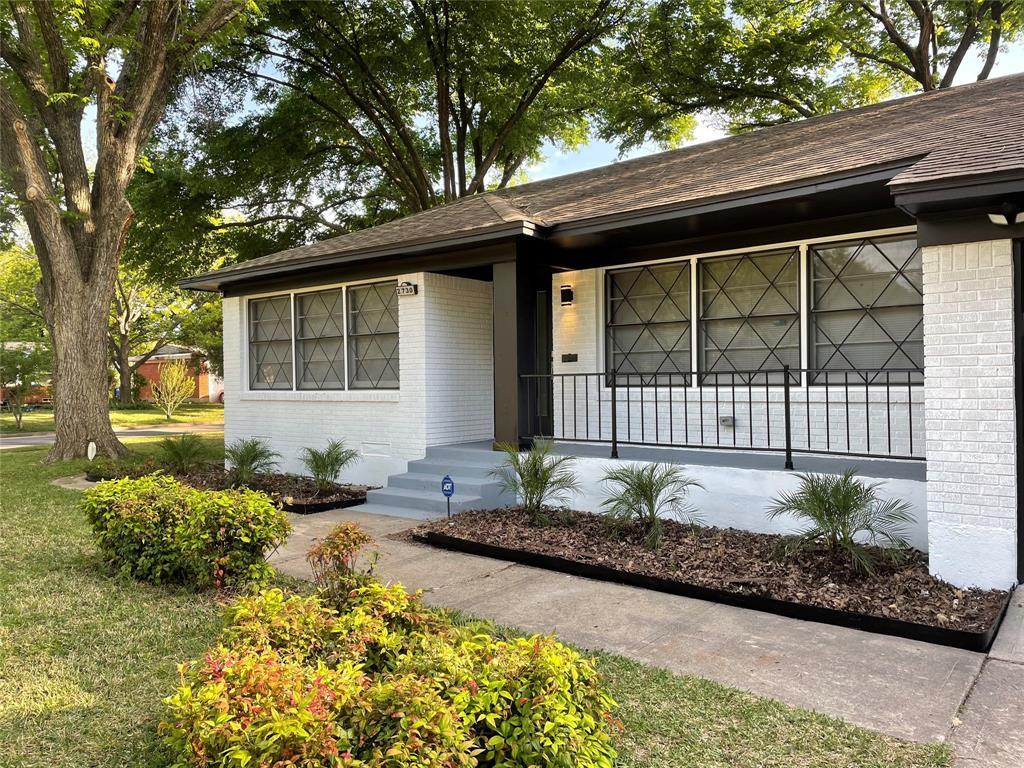 2730 Tisinger  Avenue, Dallas, Texas 75228 - acquisto real estate best allen realtor kim miller hunters creek expert