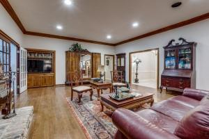 9631 Hilldale  Drive, Dallas, Texas 75231 - acquisto real estate best prosper realtor susan cancemi windfarms realtor