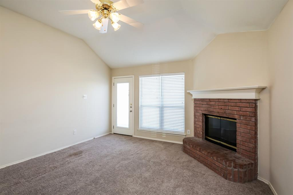 9055 Rushing River  Drive, Fort Worth, Texas 76118 - acquisto real estate best prosper realtor susan cancemi windfarms realtor