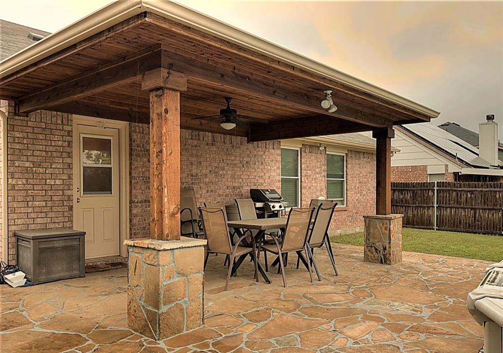 616 Creekview  Drive, Burleson, Texas 76028 - acquisto real estate agent of the year mike shepherd