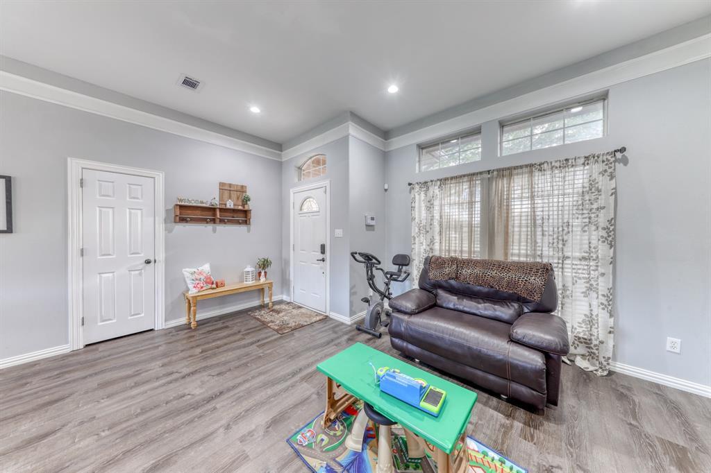 1029 Calinco  Drive, Granbury, Texas 76048 - acquisto real estate best real estate company in frisco texas real estate showings