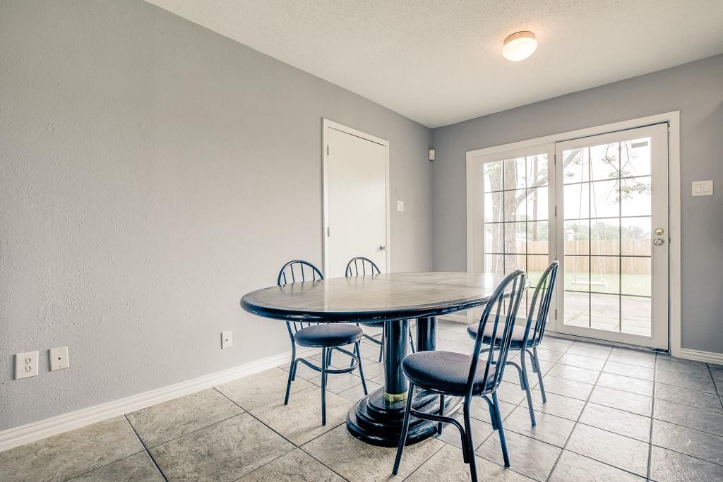 13033 Spring Oak  Drive, Balch Springs, Texas 75180 - acquisto real estate best prosper realtor susan cancemi windfarms realtor
