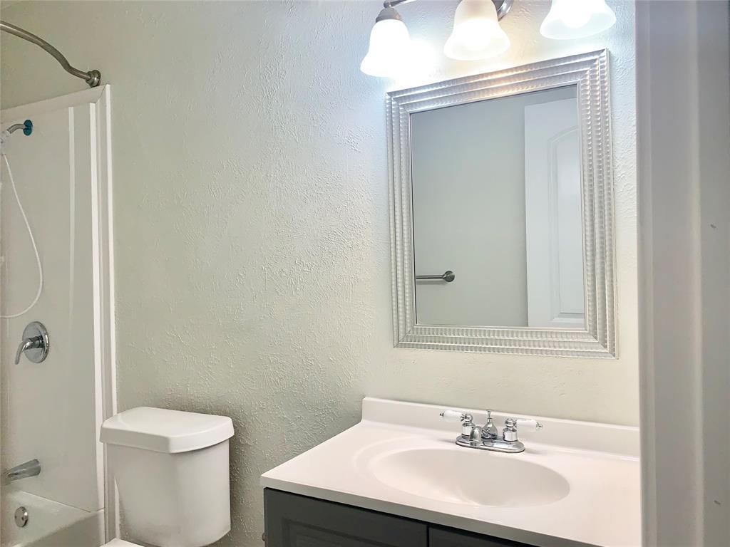 312 Navarro  Lane, Grand Prairie, Texas 75052 - acquisto real estate best new home sales realtor linda miller executor real estate