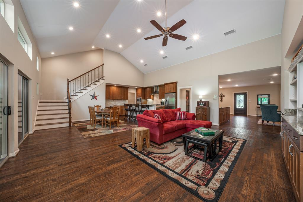 9337 Redondo  Drive, Dallas, Texas 75218 - acquisto real estate best real estate company to work for