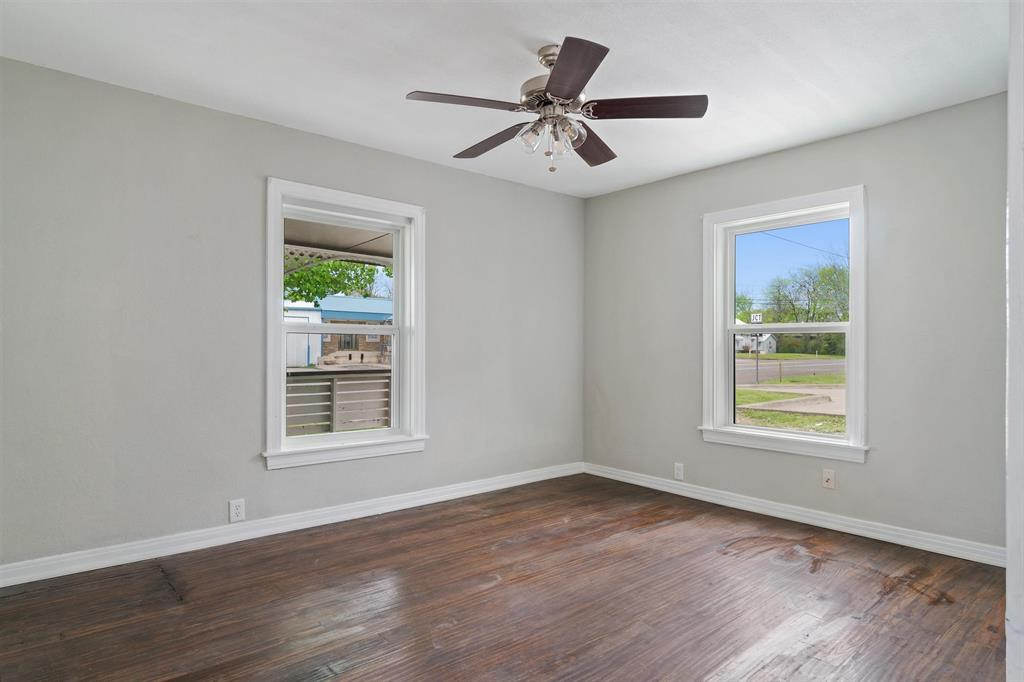 208 Elm  Street, Kemp, Texas 75143 - acquisto real estate best investor home specialist mike shepherd relocation expert