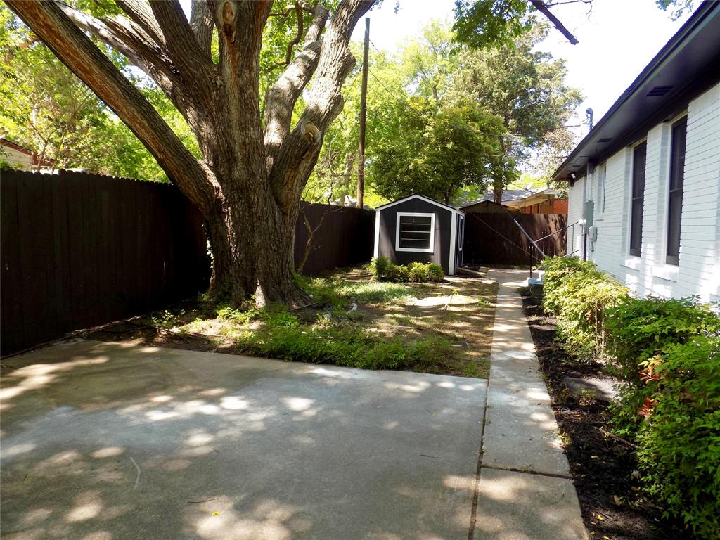 2730 Tisinger  Avenue, Dallas, Texas 75228 - acquisto real estate agent of the year mike shepherd