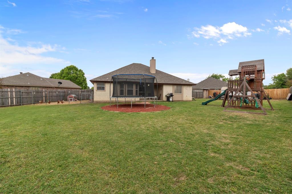 101 Saint James  Court, Rhome, Texas 76078 - acquisto real estate best park cities realtor kim miller best staging agent