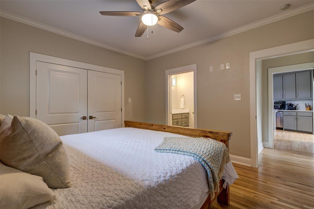 610 Clinton  Avenue, Dallas, Texas 75208 - acquisto real estate best real estate company to work for