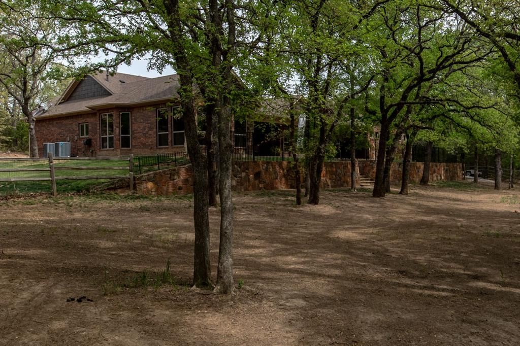 198 Cottonwood  Court, Bowie, Texas 76255 - acquisto real estate best real estate idx dilusso marketing mike acquisto