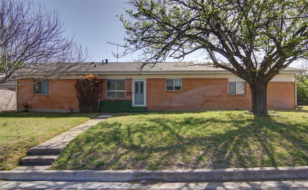 202 Case  Street, Weatherford, Texas 76086 - Acquisto Real Estate best frisco realtor Amy Gasperini 1031 exchange expert