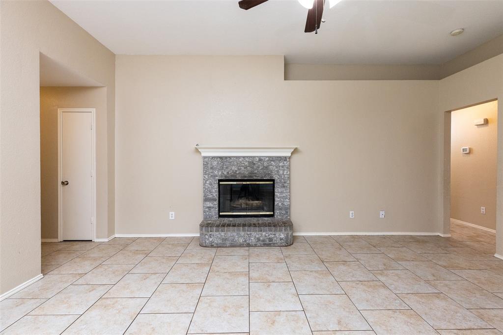 6209 Brookknoll  Drive, Arlington, Texas 76018 - acquisto real estate best highland park realtor amy gasperini fast real estate service