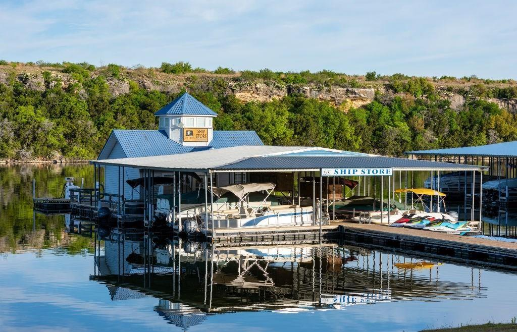 35 Bay Hill  Drive, Possum Kingdom Lake, Texas 76449 - acquisto real estate best park cities realtor kim miller best staging agent