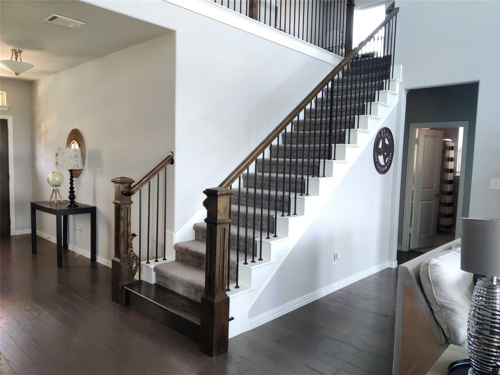 2121 Lake Front  Trail, Garland, Texas 75043 - acquisto real estate best celina realtor logan lawrence best dressed realtor