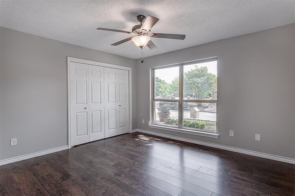 6909 Battle Creek  Road, Fort Worth, Texas 76116 - acquisto real estate best negotiating realtor linda miller declutter realtor