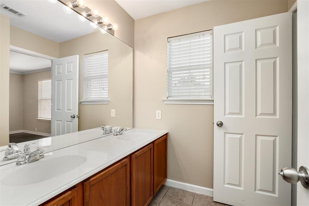 2214 Glacier Park  Lane, Grand Prairie, Texas 75050 - acquisto real estate best realtor dallas texas linda miller agent for cultural buyers