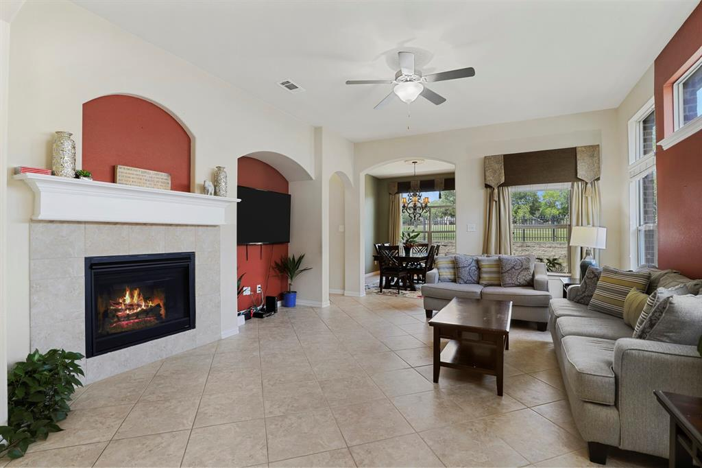 2928 Golfview  Drive, McKinney, Texas 75069 - acquisto real estate best new home sales realtor linda miller executor real estate