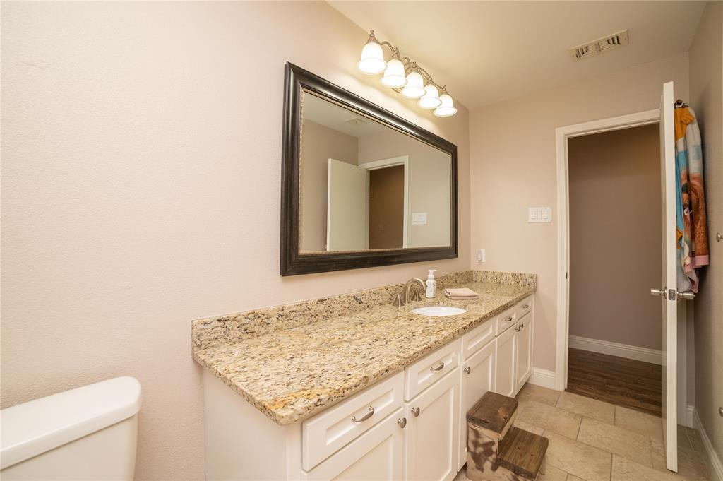 2426 Sherwood  Drive, Grand Prairie, Texas 75050 - acquisto real estate best luxury home specialist shana acquisto