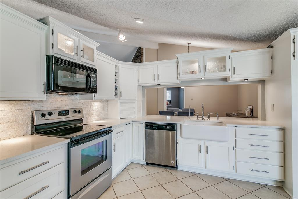 3205 Meadowood  Drive, Garland, Texas 75040 - acquisto real estate best the colony realtor linda miller the bridges real estate