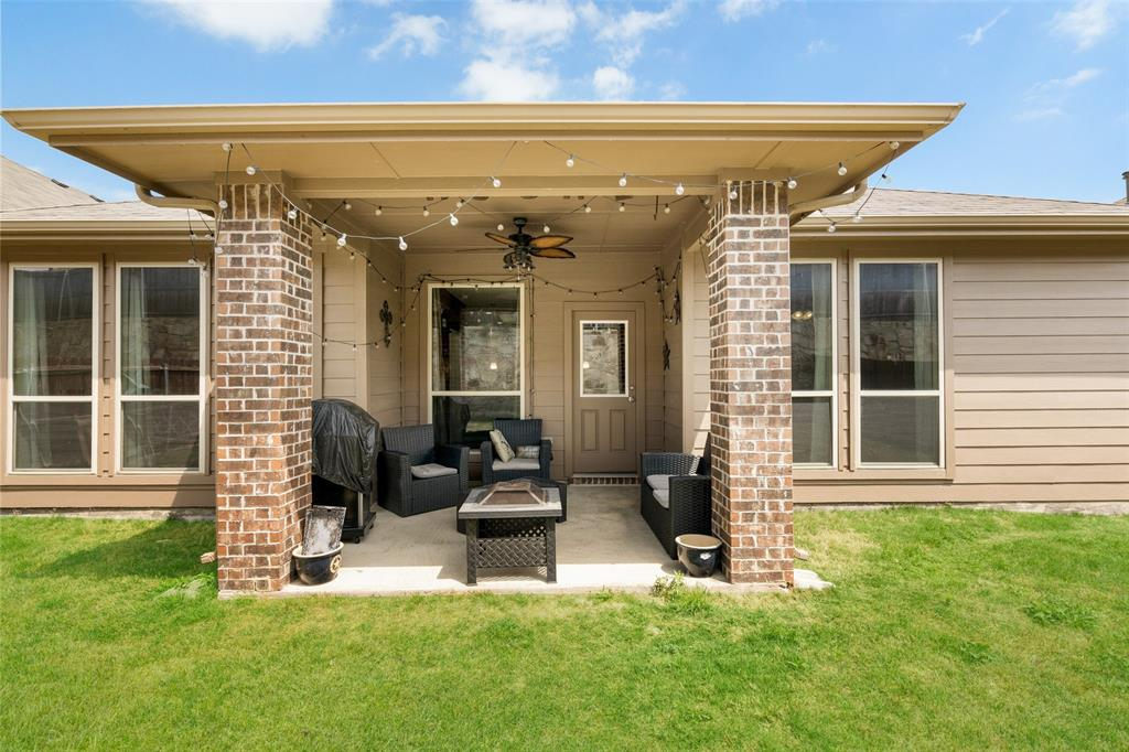 9145 Bronze Meadow  Drive, Fort Worth, Texas 76131 - acquisto real estate best realtor dallas texas linda miller agent for cultural buyers