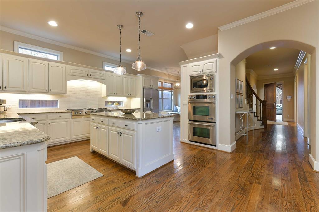 5226 Ridgedale  Avenue, Dallas, Texas 75206 - acquisto real estate best real estate company in frisco texas real estate showings