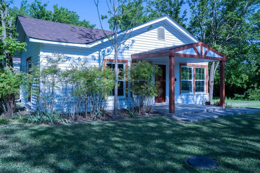 1101 Earl  Street, Commerce, Texas 75428 - Acquisto Real Estate best plano realtor mike Shepherd home owners association expert