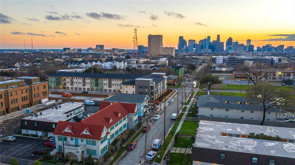 1519 Bennett  Avenue, Dallas, Texas 75206 - Acquisto Real Estate best frisco realtor Amy Gasperini 1031 exchange expert