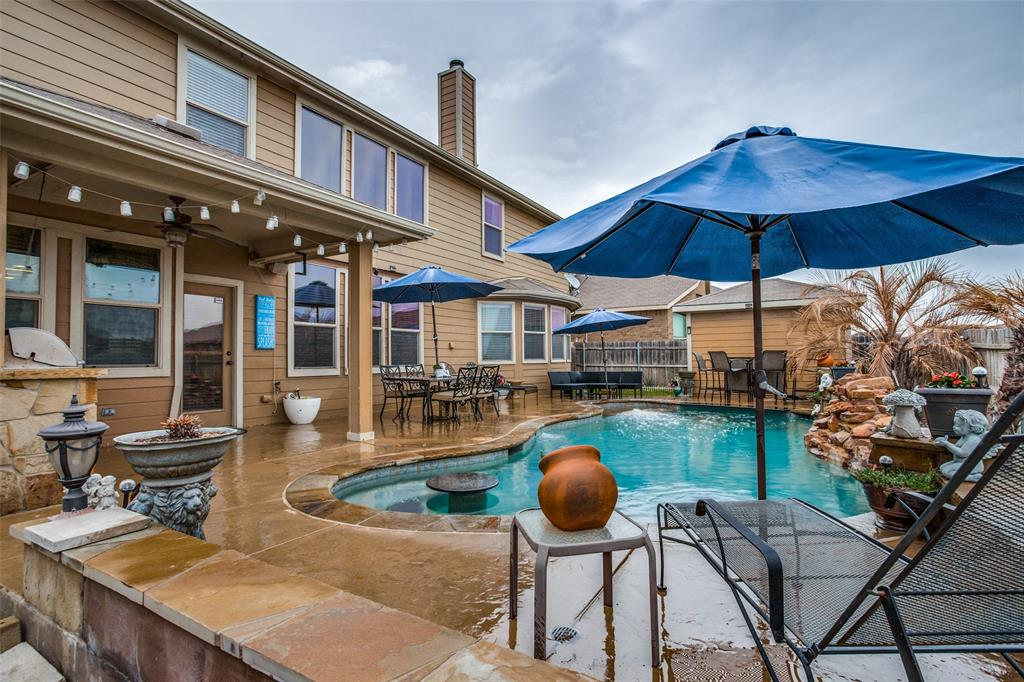 425 Crown Oaks  Drive, Fort Worth, Texas 76131 - acquisto real estate best allen realtor kim miller hunters creek expert