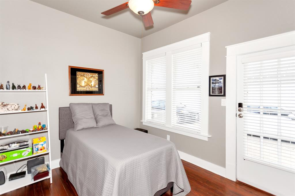 2260 Fairmount  Avenue, Fort Worth, Texas 76110 - acquisto real estate best real estate company to work for