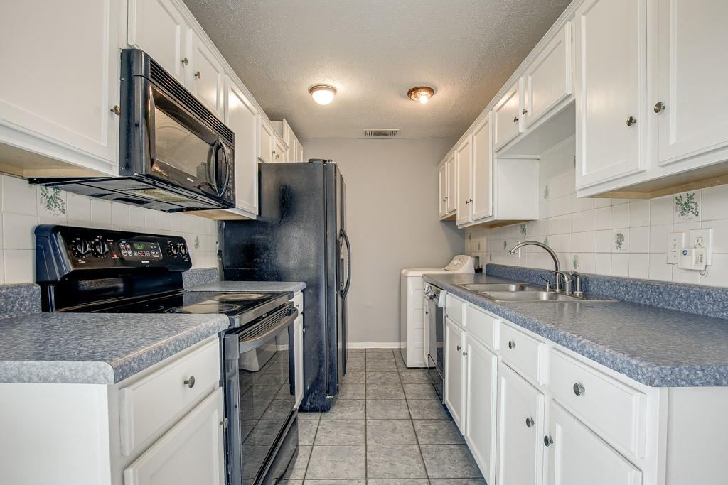 13033 Spring Oak  Drive, Balch Springs, Texas 75180 - acquisto real estate best celina realtor logan lawrence best dressed realtor