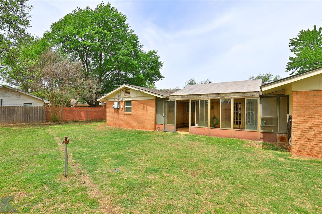 2215 Oakwood  Lane, Abilene, Texas 79605 - acquisto real estate smartest realtor in america shana acquisto