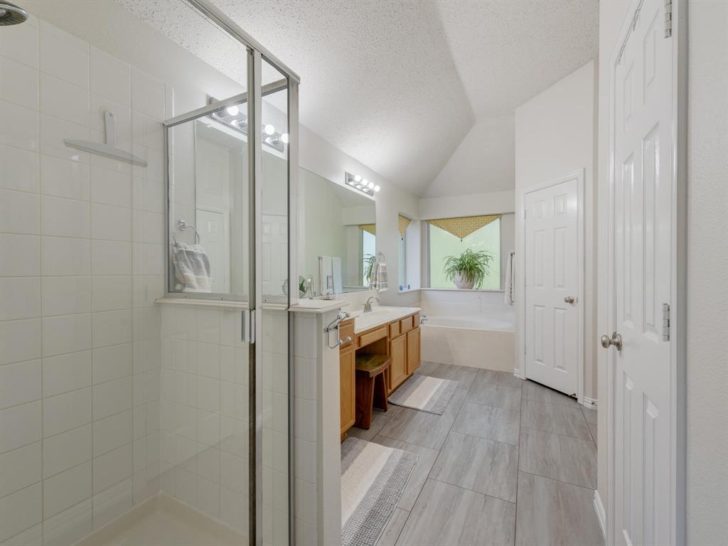 311 Cottonwood  Trail, Shady Shores, Texas 76208 - acquisto real estate best realtor dfw jody daley liberty high school realtor