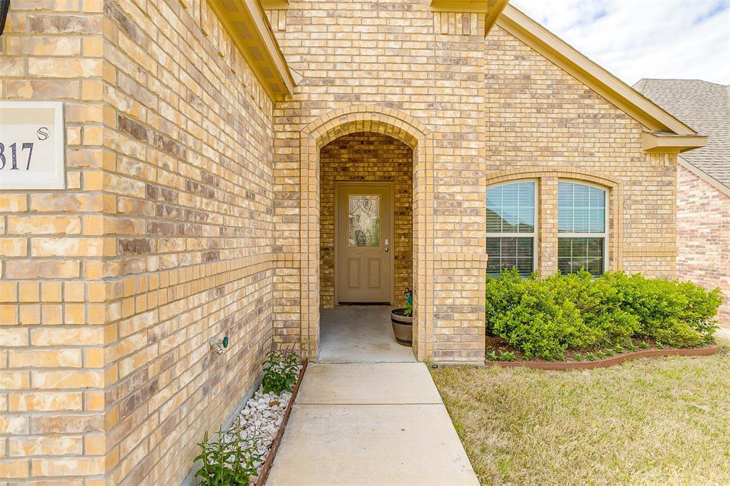 11317 Denet Creek  Lane, Fort Worth, Texas 76108 - acquisto real estate best the colony realtor linda miller the bridges real estate