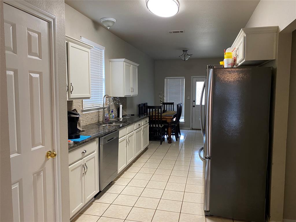 317 Texas  Drive, Lake Dallas, Texas 75065 - acquisto real estate best new home sales realtor linda miller executor real estate