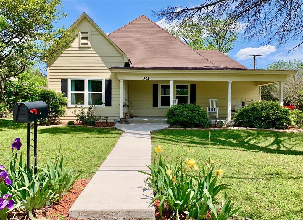 302 Madison  Street, Cleburne, Texas 76033 - Acquisto Real Estate best frisco realtor Amy Gasperini 1031 exchange expert