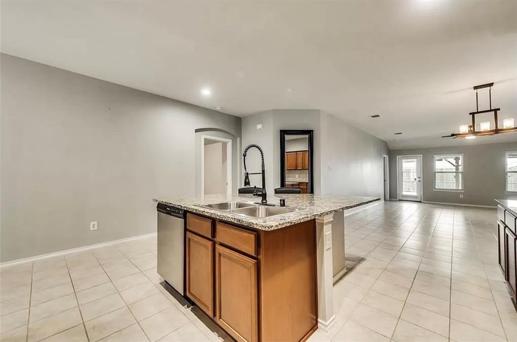 2303 Pontotoc  Drive, Forney, Texas 75126 - acquisto real estate best prosper realtor susan cancemi windfarms realtor