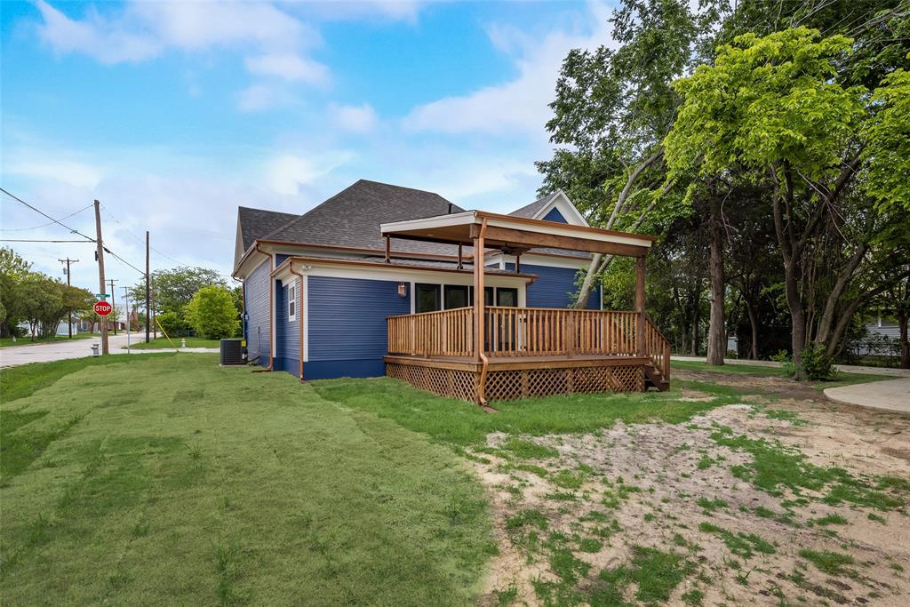 303 S. Walker  Street, Dallas, Texas 75149 - acquisto real estate best realtor foreclosure real estate mike shepeherd walnut grove realtor