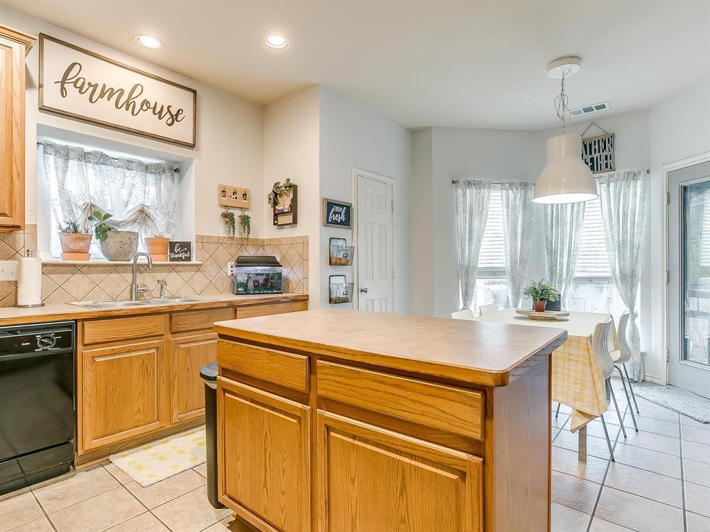 4420 Spring Garden  Drive, Arlington, Texas 76016 - acquisto real estate best new home sales realtor linda miller executor real estate